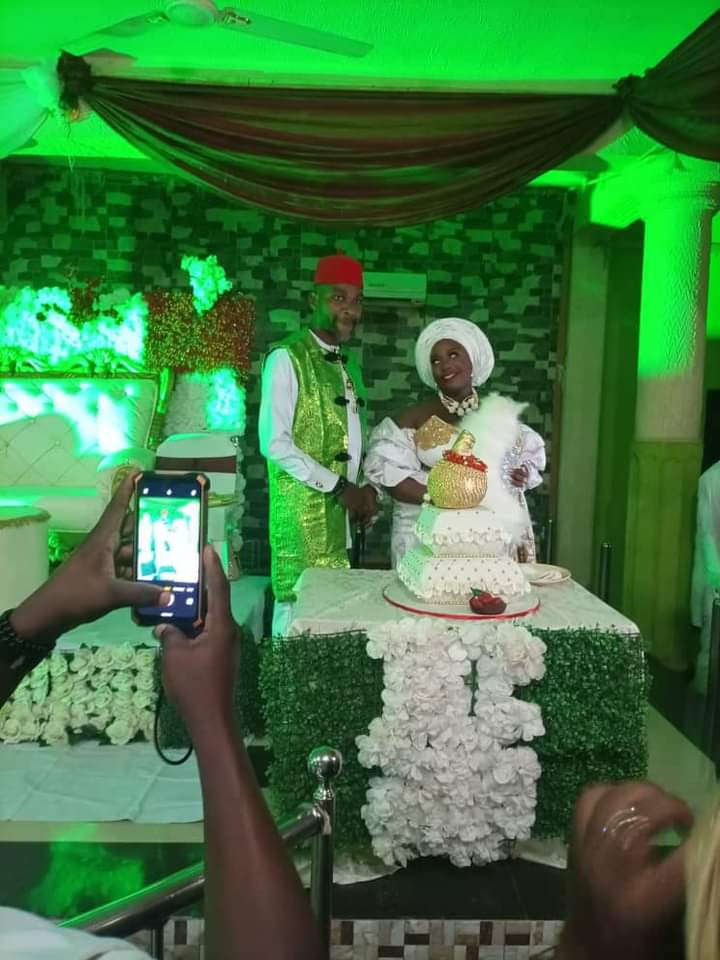 Social Media Feminist, Nkechi Bianze , ties the knot in a lowkey wedding with an Igbo man after condemning it – TrendingHub.ng